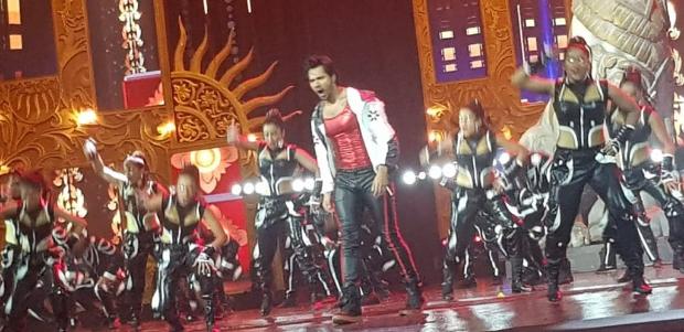 IIFA 2018: Varun Dhawan's electrifying performance on 'Tamma Tamma Again' is the highlight of the grand night; Kartik Aaryan makes his debut