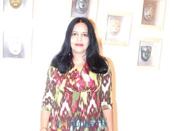 Mahima Chaudhry, Pooja Bedi, Sanjeev Kapoor & others grace Prabhakar Singh's art show 'Ensemble'