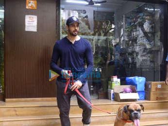 Sidharth Malhotra spotted at a dog' hospital in Bandra
