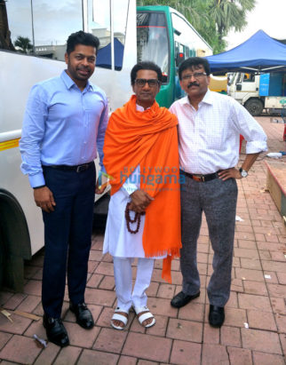 On The Sets Of The Movie Thackeray