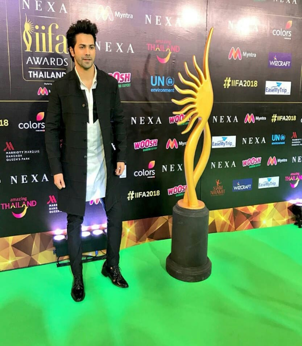 IIFA Rocks 2018: Varun Dhawan gives us lessons in being awesome and always dapper!