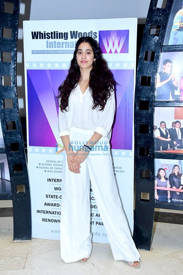 Ishaan Khatter And Janhvi Kapoor Snapped At Whistling Woods Janhvi Kapoor Images Bollywood Hungama