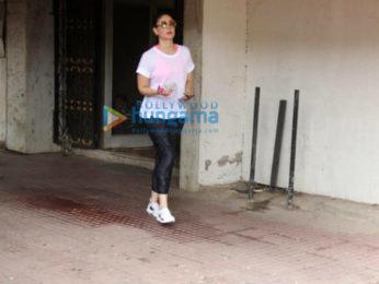 Kareena Kapoor Khan spotted outside the gym