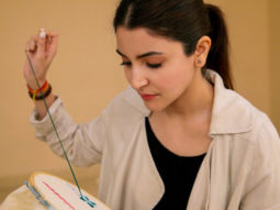 BEHIND THE SCENES Varun - Anushka learn many new things for Sui Dhaaga - Made In India