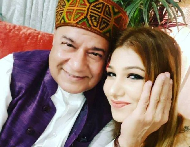 Bigg Boss 12: Jasleen Matharu's father is AGAINST her relationship with Anup Jalota, faces DEATH threats