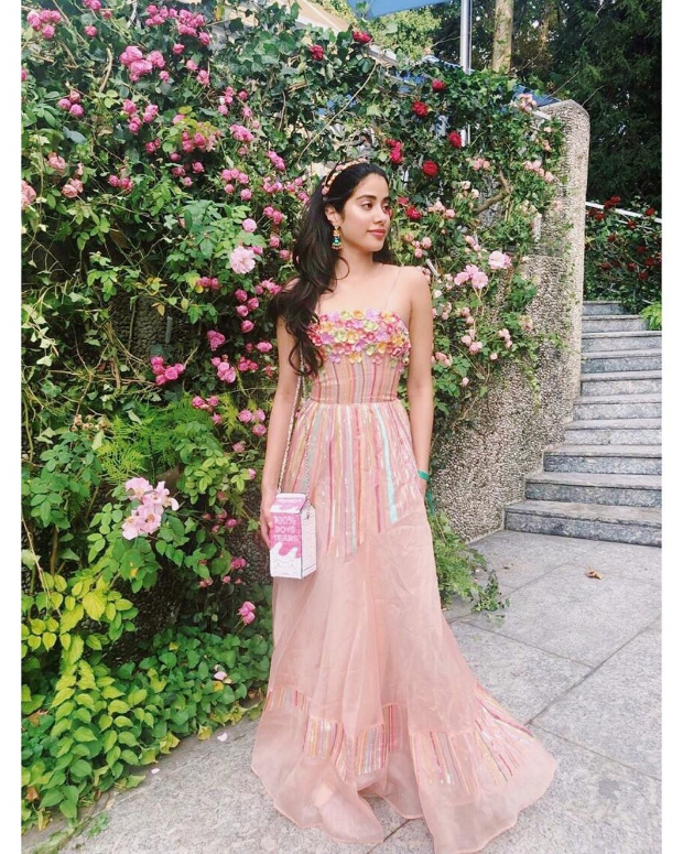 Janhvi Kapoor in Rahul MIshra for Isha Ambani engagement bash (1)