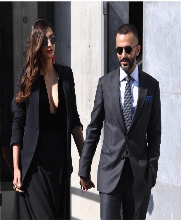 Sonam Kapoor at Milan Fashion Week for Giorgio Armani (2)