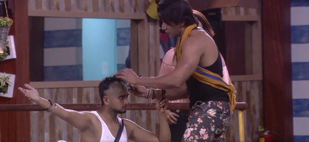 Bigg Boss 12: Step-by-step transformation of Deepak Kumar going BALD to save Urvashi Vani (see pics)