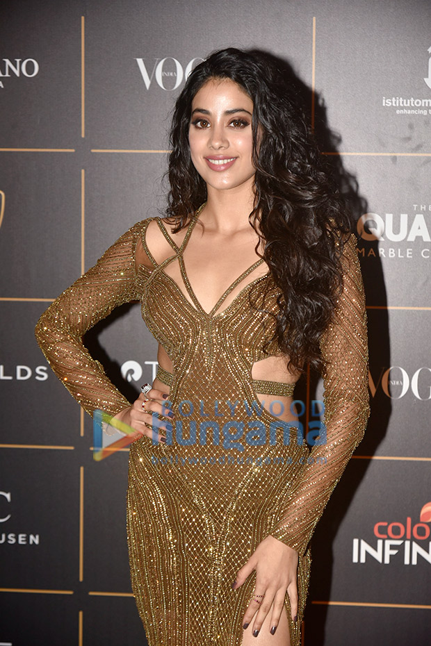 Janhvi Kapoor in Falguni and Shane Peacock for Vogue Women of the Year Awards 2018 (2)