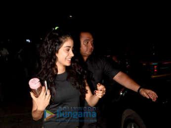 Janhvi Kapoor snapped in Juhu