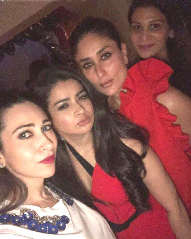 Kareena Kapoor Khan DANCES the night away with Janhvi Kapoor, Khushi Kapoor, Jacqueline Fernandez