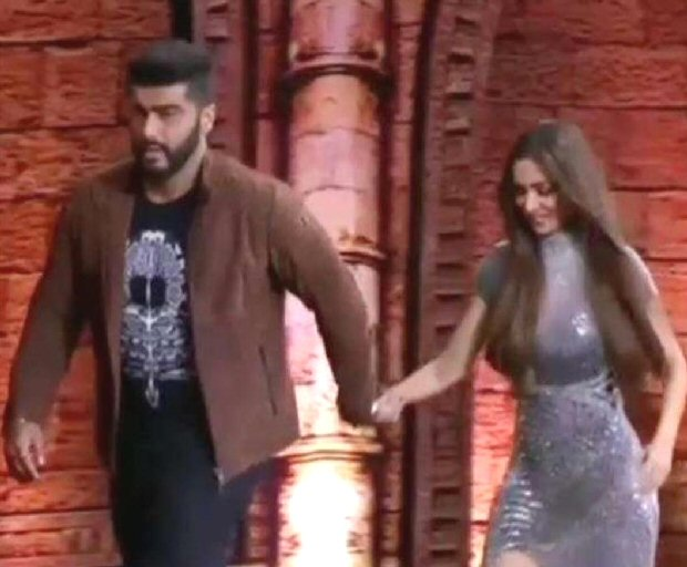 Malaika Arora and Arjun Kapoor hold hands and TWERK together (WATCH VIDEO)