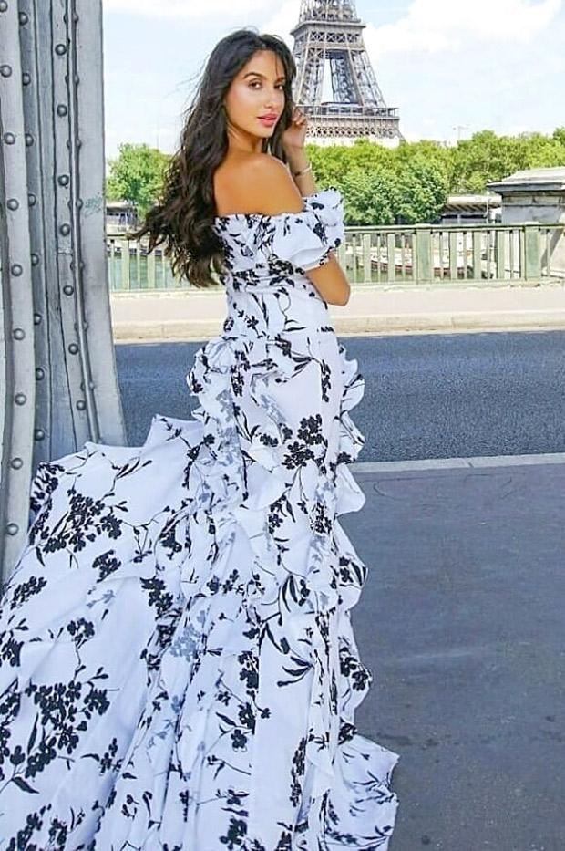 Nora Fatehi in Fashion Nova in Dubai (3)