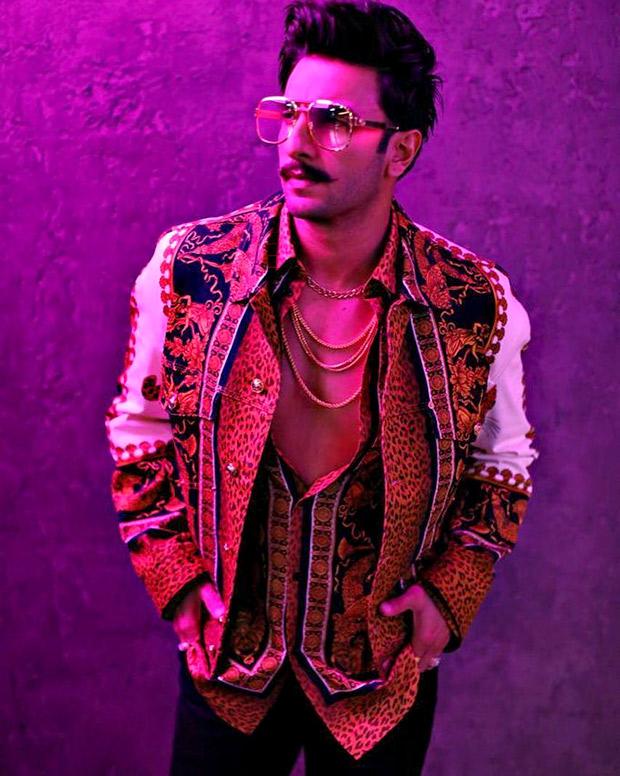 Ranveer Singh in Versace for Koffee With Karan 6 (6)