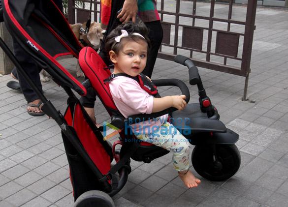 Soha Ali Khan's daughter Inaaya spotted at home