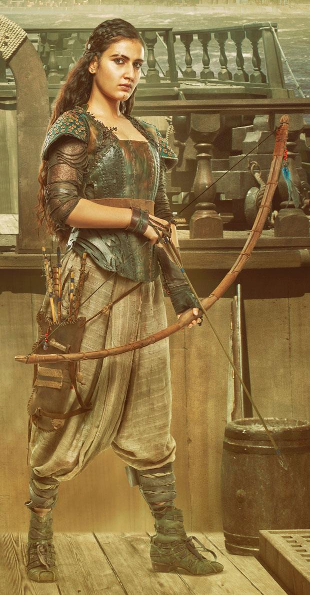 WOAH! Here's how long Fatima Sana Shaikh took daily to become Zafira for Thugs of Hindostan!