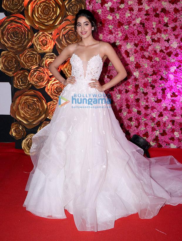 Janhvi Kapoor in Reem Acra for Lux Gold Rose Awards 2018 (7)