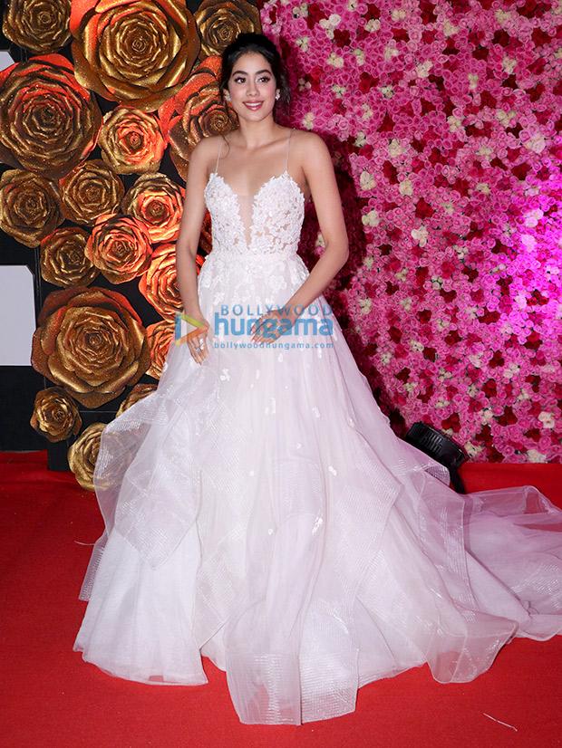 Janhvi Kapoor in Reem Acra for Lux Gold Rose Awards 2018 (8)