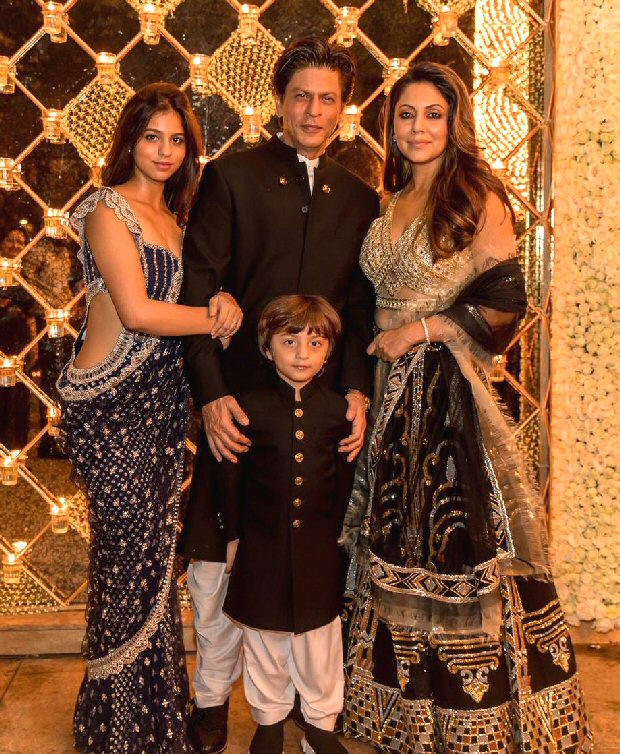 PICTURE PERFECT! Shah Rukh Khan poses with Gauri, AbRam and Suhana but misses someone terribly