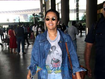 Sidharth Malhotra, Raveena Tandon and others snapped at the airport