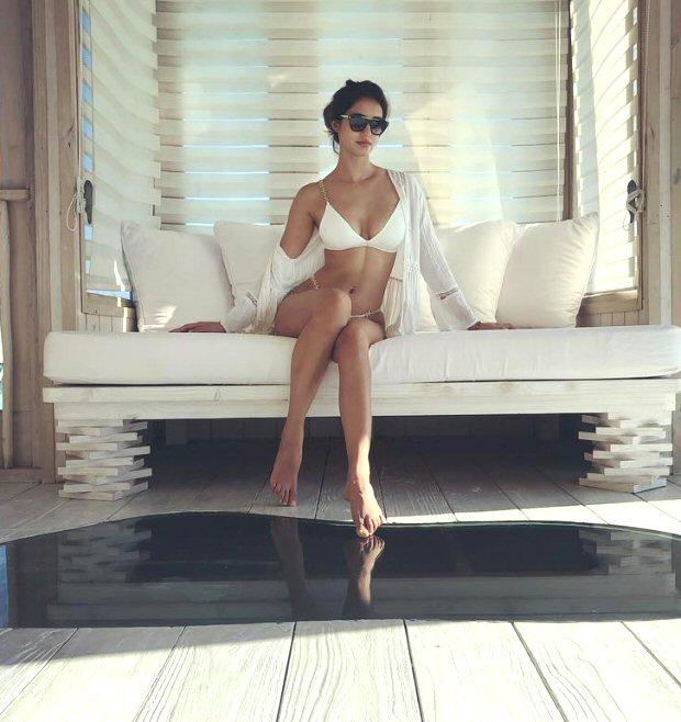 Oooh La La! Disha Patani Slips Into A Pristine Bikini, Teases Us With Her Version Of White Christmas!