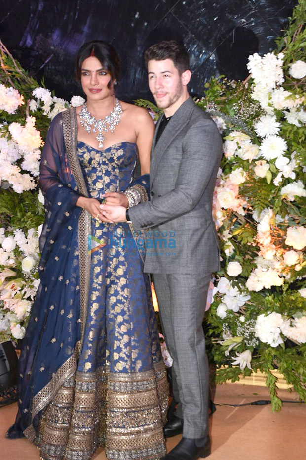 Priyanka Chopra - Nick Jonas Mumbai Reception: The Couple Looks Crazy In Love In Their Stunning Outfits