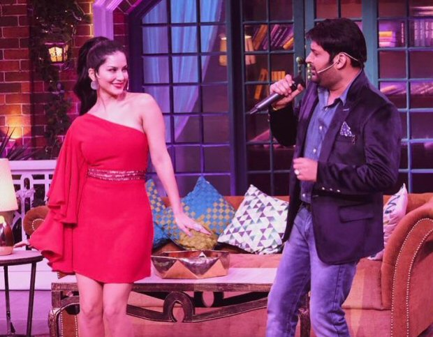 Sunny Leone Indulges In Some On The Sets Fun And Dance On The All New Kapil Sharma Show