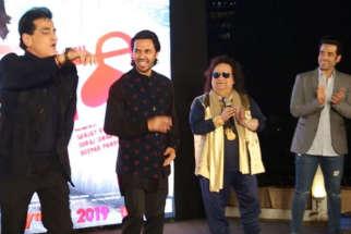 Jeetendra Kapoor shakes his legs on 'Kopcha' song at film 'Luckee's trailer launch