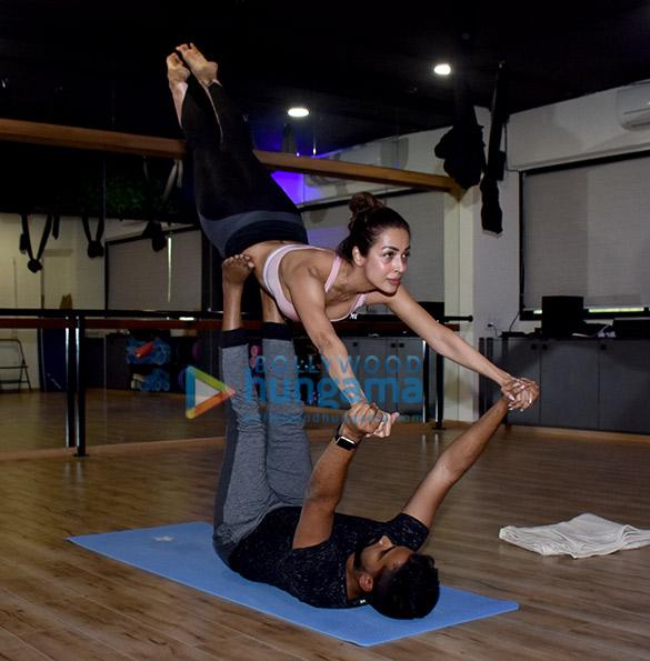 Malaika Arora snapped at a yoga class (1)