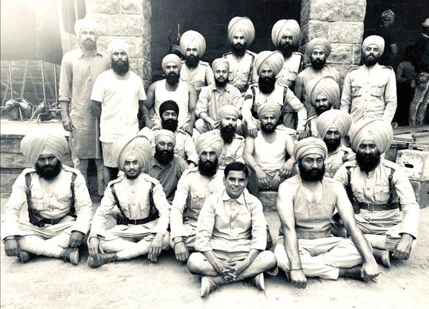 On The Occasion Of Lohri, Akshay Kumar Shares A New Still From Kesari With Saragarhi Unit