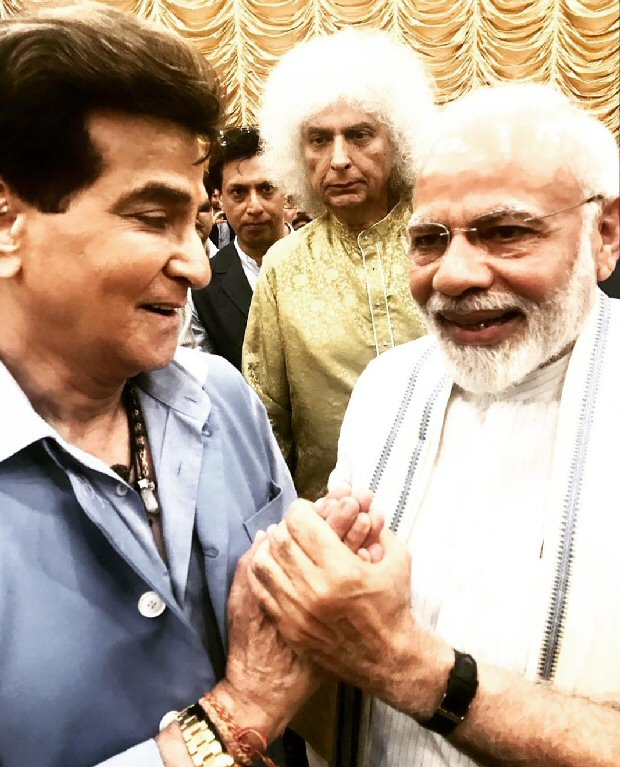 Pm Narendra Modi Speaks About His Admiration For Veteran Actor Jeetendra's Hardship!