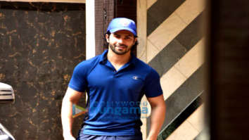 Varun Dhawan and Shahid Kapoor snapped at the gym in Juhu