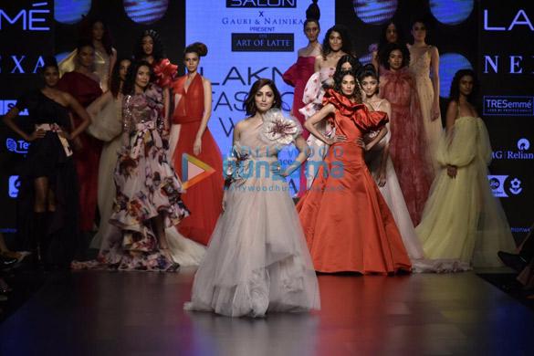 Yami Gautam walks the ramp for Gauri and Nainika at Lakme Fashion Week Summer Resort 2019 (3)