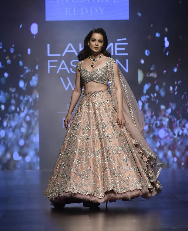 Kangana Ranaut for Anushree Reddy at LFW 2019 Summer_Resort (6)