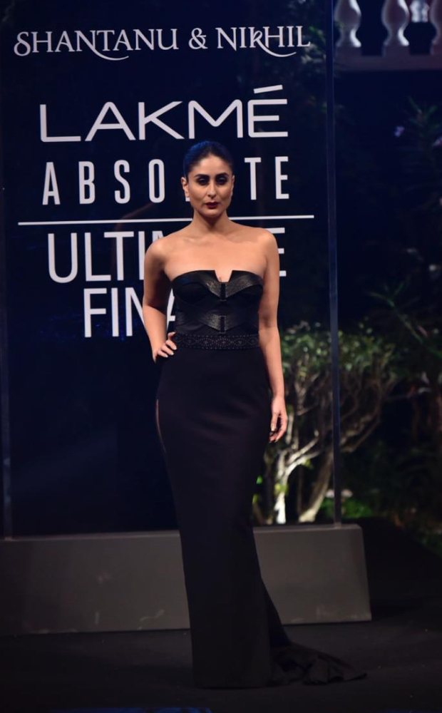 Lfw Summer/resort 2019 Ultimate Finale: Kareena Kapoor Khan, The Modern Day Audrey Hepburn Bewitches In Black For Shantanu And Nikhil
