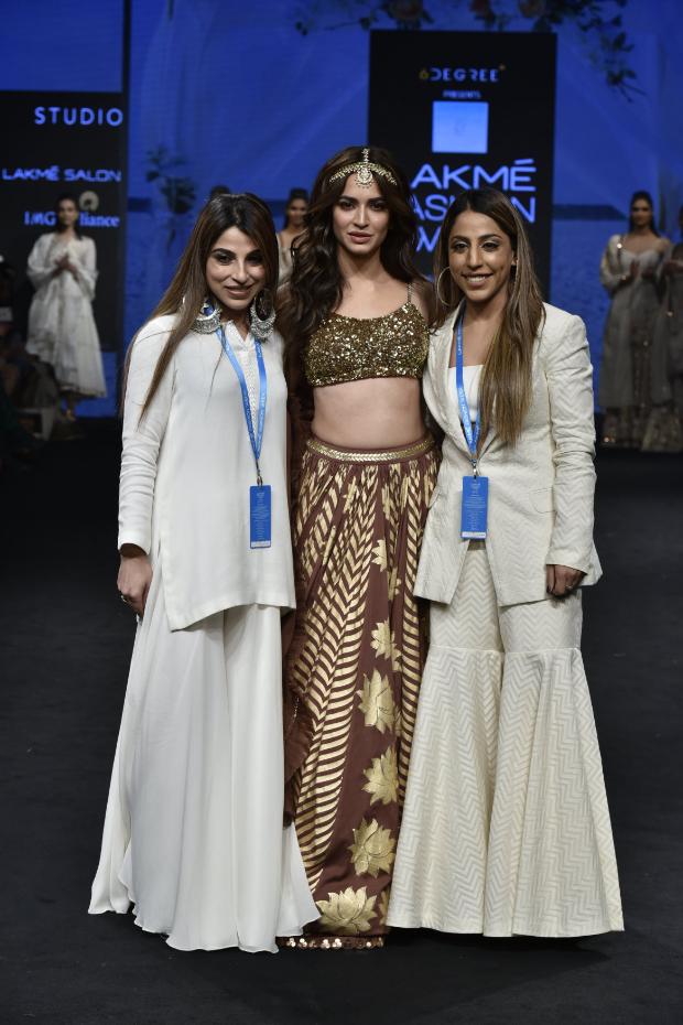 Kriti Kharbanda for Sukriti and Aakriti at LFW Summer Resort 2019 (4)