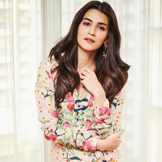 Kriti Sanon in Roopa for Luka Chuppi promotions (2)