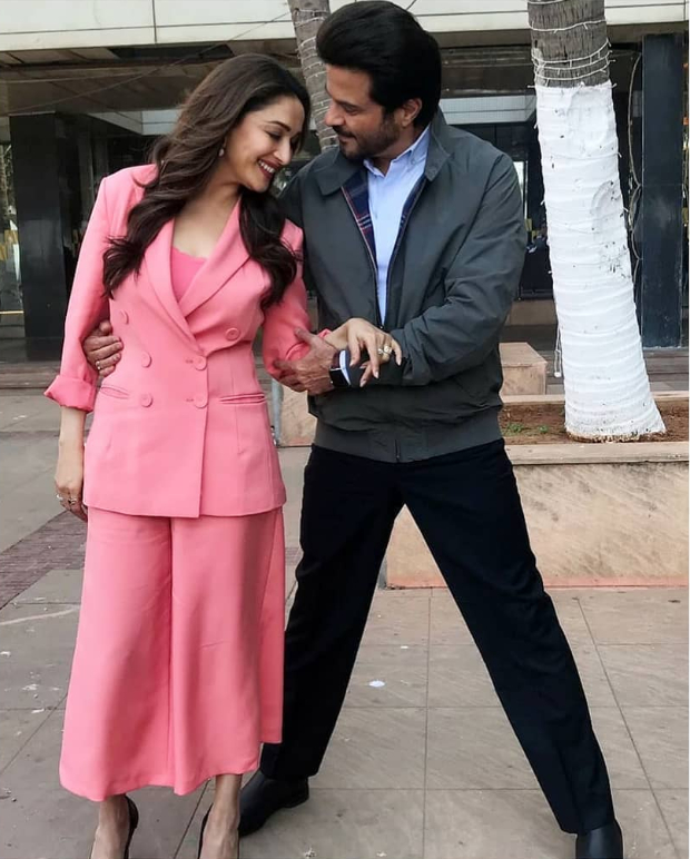 Madhuri Dixit Keeps It Sleek In Pink For Total Dhamaal Promotions, Her Style Is Worth Inr 6,000/- Only!