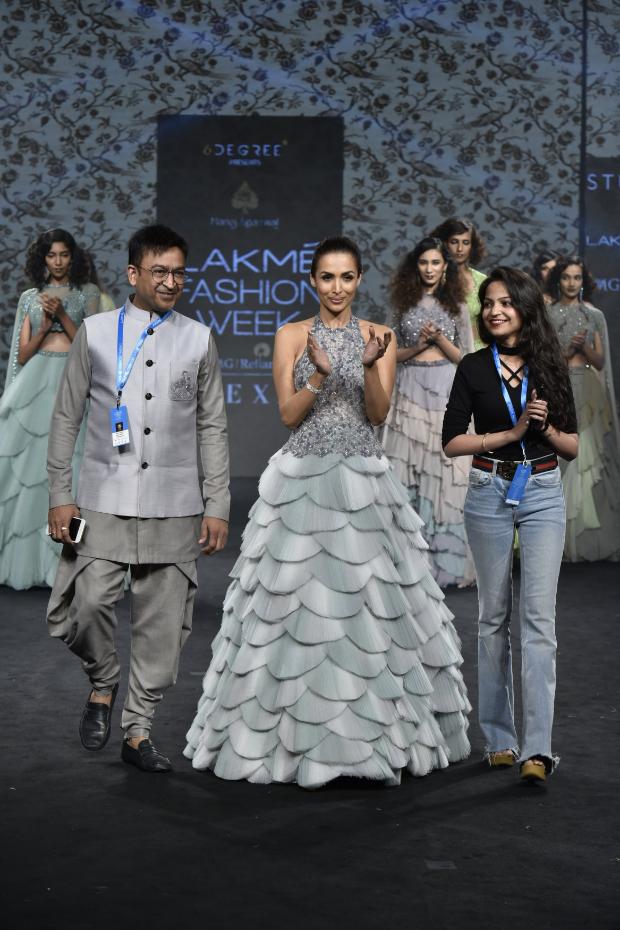 Malaika Arora for Manoj Agarrwal at LFW 2019 Summer_Resort (4)