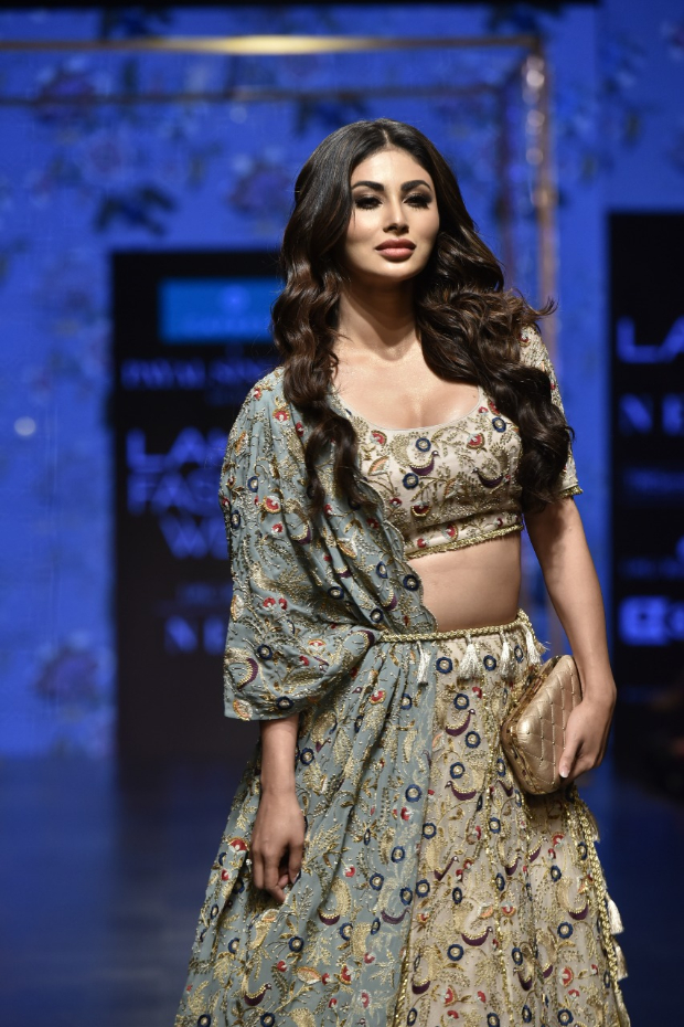 LFW Summer/Resort 2019: Mouni Roy makes her big fashion