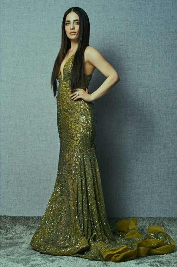 Radhika Madan in Rajat Tangri for Nykaa-Femina Beauty Awards (2) (1)