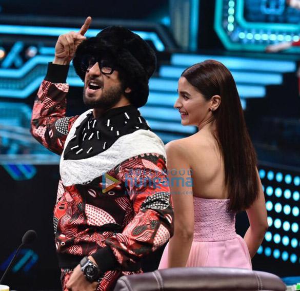 Ranveer Singh and Alia Bhatt promote Gully Boy on Super Dancer Chapter 3 (3)