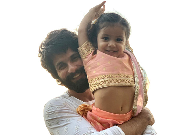 Mira Kapoor Uploaded A Picture Of Shahid Kapoor With Their Daughter Misha And It Is Just So Cute!