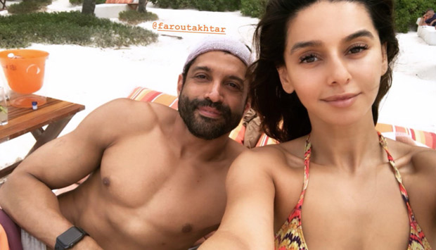 Couple Goals – Farhan Akhtar And Shibani Dandekar Enjoying A Relaxing Vacay In Mexico Will Make You Want To Go On A Trip Now!