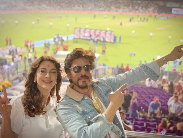 IPL 2019: Shah Rukh Khan and Juhi Chawla REUNITE to cheer for Kolkata  Knight Riders : Bollywood News - Bollywood Hungama