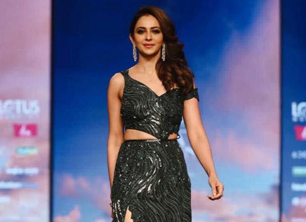 Rakul Preet Singh looks absolutely stunning as she walks the ramp at the Lotus Makeup India Fashion Week