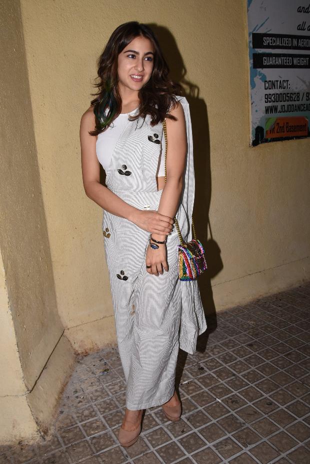 Sara Ali Khan flaunts handloom saree pants that should be ...Sara Khan In Saree