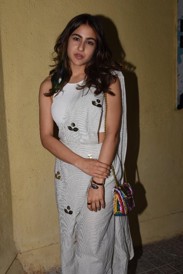 Sara Ali Khan in Aapro Label pant saree for Sonchiriya promotions (2)