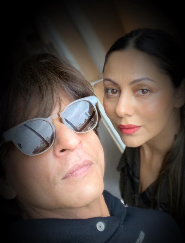 Shah Rukh Khan shares a lovely selfie with Gauri Khan on World Theatre Day