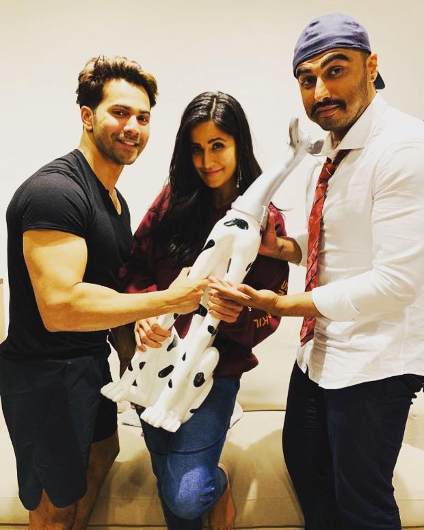 Varun Dhawan and Arjun Kapoor decide to start a new fanclub for Katrina Kaif